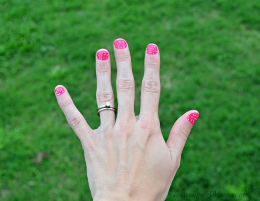 Outside Color Blocking Manicure