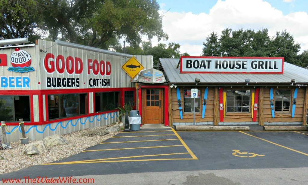 Kid friendly restaurant in Austin near Lake Travis - Boat House Grill