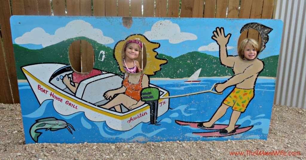 Kids love Boat House Grill in Austin near Lake Travis {full review}