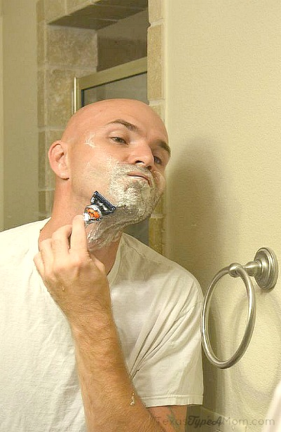Shaving with Gillette Fusion Proglide #SmoothSummer #shop