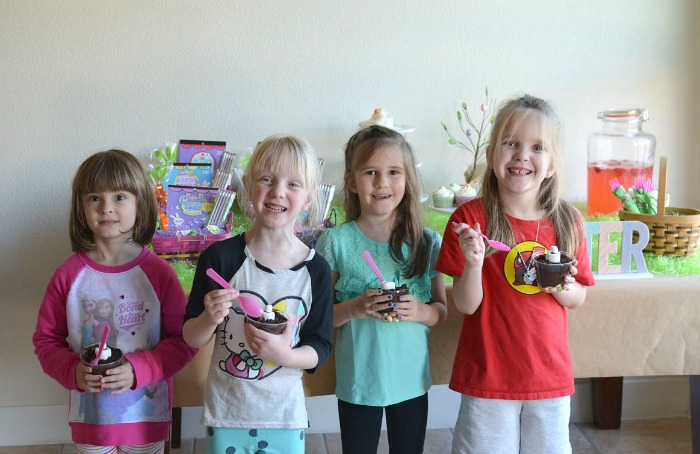 Group Photo Easter Party Playdate #MMsCarrotCake #ad
