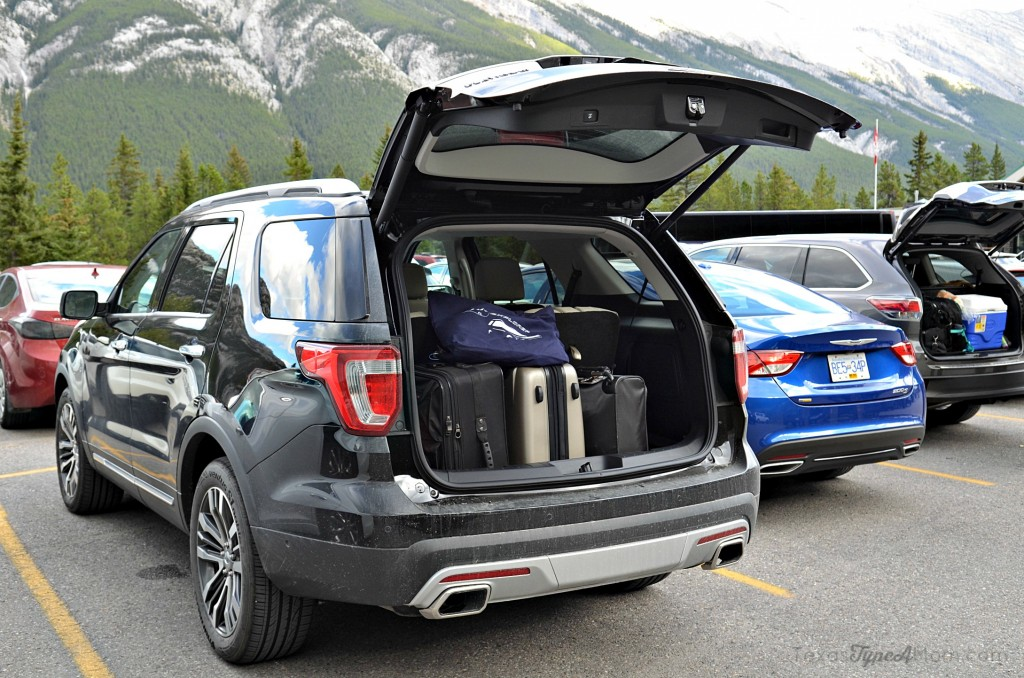 2016 ford explorer platinum trunk space