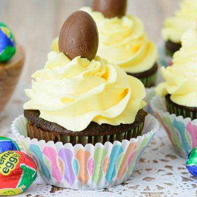 Cadbury Creme Egg Cupcakes Recipe + Easy Homemade Buttercream Frosting Recipe