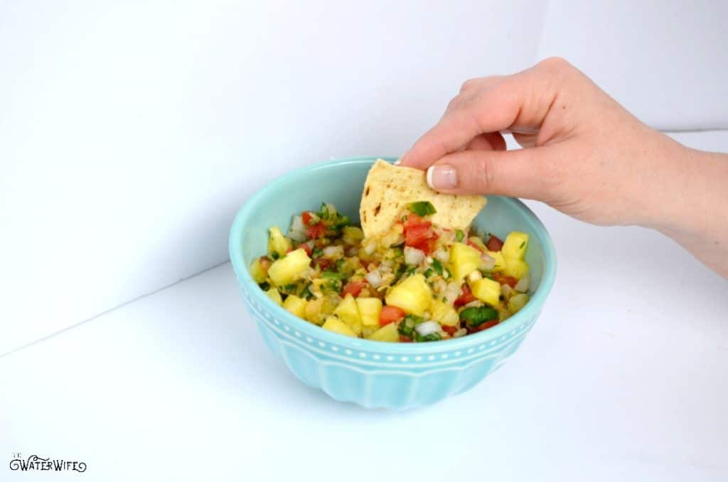 The best pineapple pico de gallo is the perfect appetizer or delicious over shrimp, steaks, chicken or porch chops for a fresh and easy dinner!