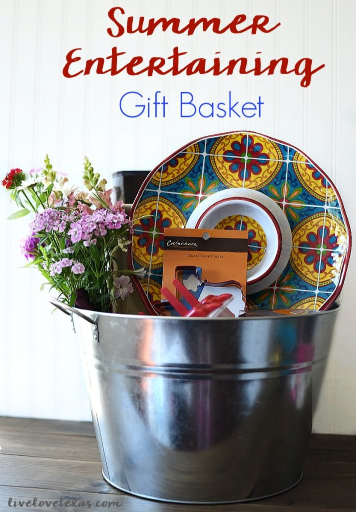 The weather is heating up and summer is just around the corner! Surprise mom this year with a gift that's practical, but fun like this Texas Summer Entertaining Gift Basket! #HEBMoms #ad