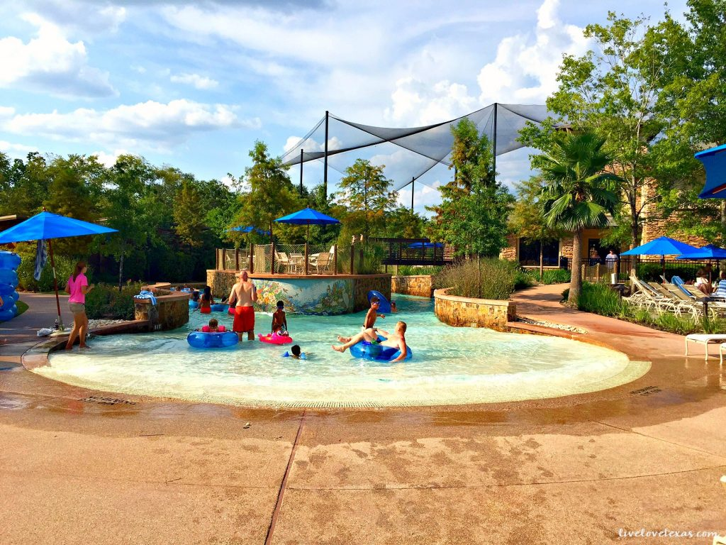 Review of The Woodlands Resort, a family friendly travel destination in Texas just north of Houston!