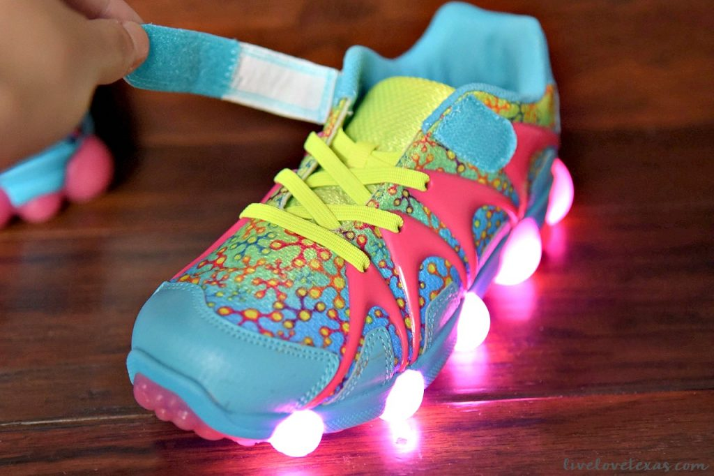 How to Save Money on Back to School Shopping: Stride Rite Leepz Shoes at Zappos