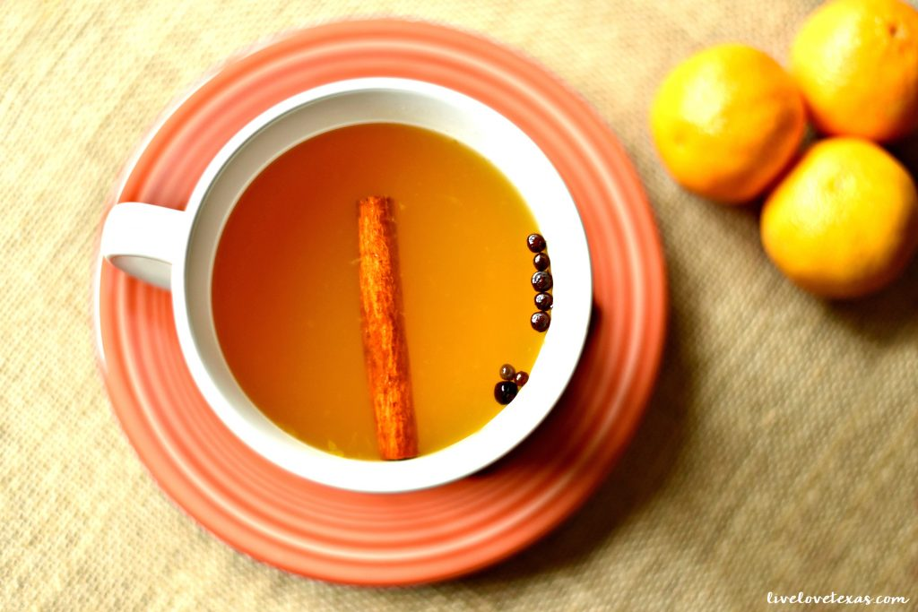 Give yourself a break this holiday season. Take a break from your to do list and enjoy the flavors of fall with this homemade fast and easy wassail recipe!