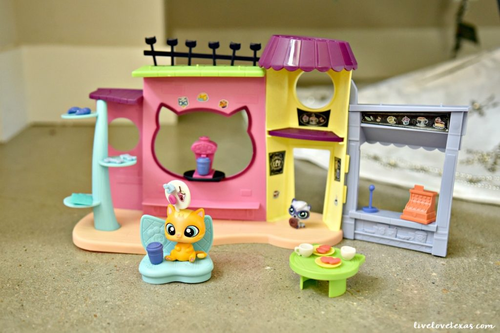 littlest-pet-shop-pawristas-cafe-playset