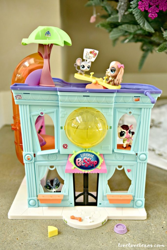 littlest-pet-shop-pet-shop-playset