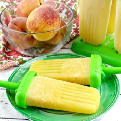 Life's a Peach with this Frozen Peach Bellini Ice Pops Recipe