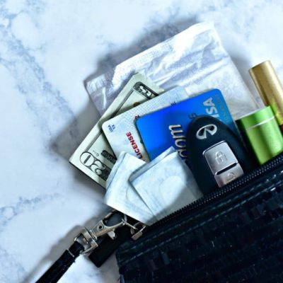 What to Carry in Your Purse for a Girls Night Out