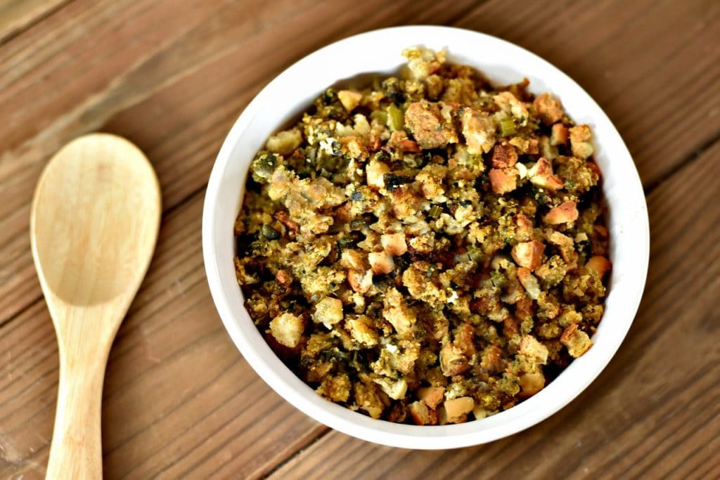 This year skip your typical stuffing recipe. Instead try this Southern Thanksgiving side dish instead! Check out this Easy Oyster Dressing recipe! #oysterdressing #oysterstuffing #stuffing #dressing #thanksgivingrecipes #thanksgivingsidedish #sidedish #seafood #southernthanksgiving #southernfood #dressingrecipe