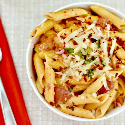 Easy Penne with Spicy Vodka Tomato Cream Sauce Recipe