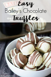 This easy homemade Bailey's Chocolate Truffle recipe uses only seven ingredients and is super easy to make for St. Patrick's Day or any day! #chocolatetruffles #chocolaterecipes #trufflesrecipes #trufflerecipes #dessertrecipes #stpatricksdaydesserts #baileysrecipes #baileyirishcream #boozydesserts