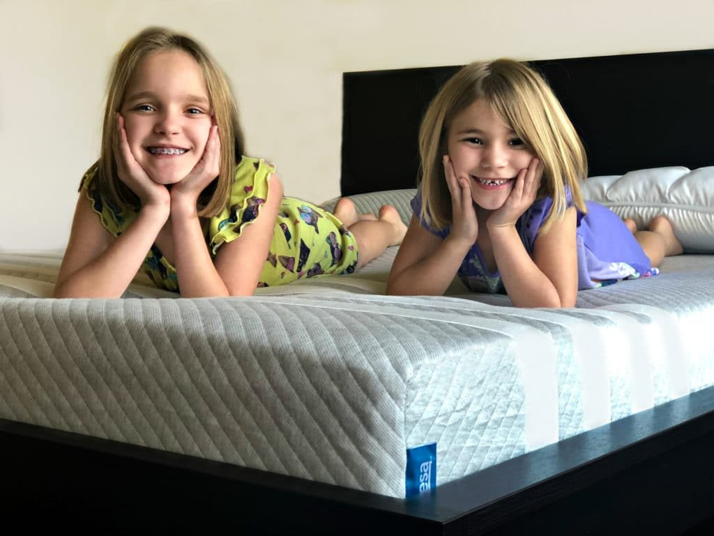 Shopping for a mattress can take up a ton of time and is never easy with kids. Thankfully these days you don't even have to leave your house. I'll show you why and how to order a mattress online!