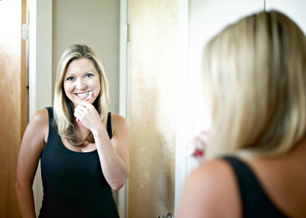 One of the first things people usually notice when meeting someone new is their smile. Make sure your smile looks the best it can by taking care of your teeth and your gums. It's easier than ever to make sure your gums stay healthy. It's so easy - I'll teach you how!
