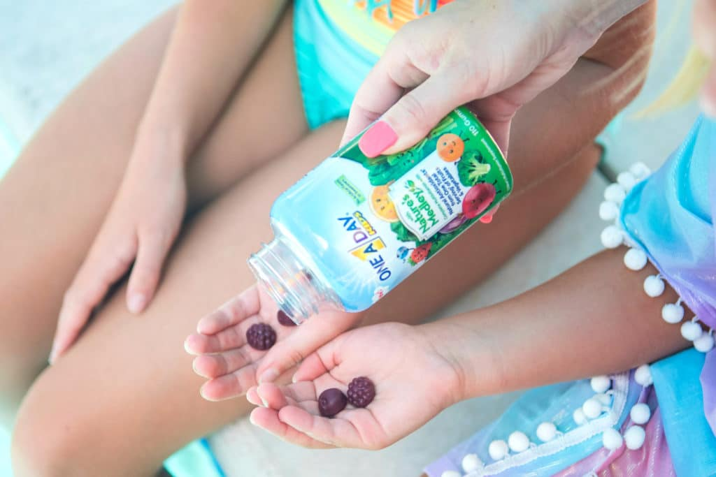 As parents, it's our responsibility to ensure our kid's little bodies are getting the things they need to stay healthy. But when you're always on-the-go, that can be a challenge but here are 5 parent tips for picky eaters to ensure a happy and healthy summer!