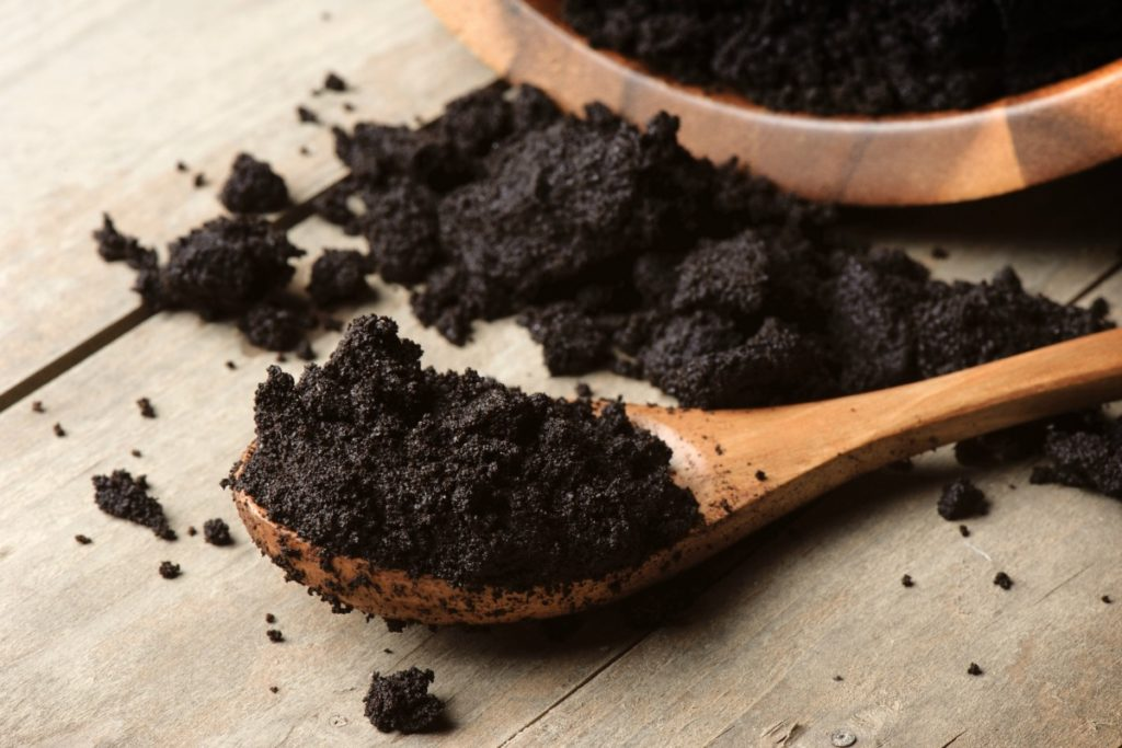 Everyone knows about the health benefits of coffee, but what do you do with those used coffee grounds? Don't just toss them, save them! Here are 7 Ways to Use Coffee Grounds in Your Beauty Routine!