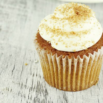 Easy Pumpkin Cupcakes Recipe with Cream Cheese Buttercream Frosting