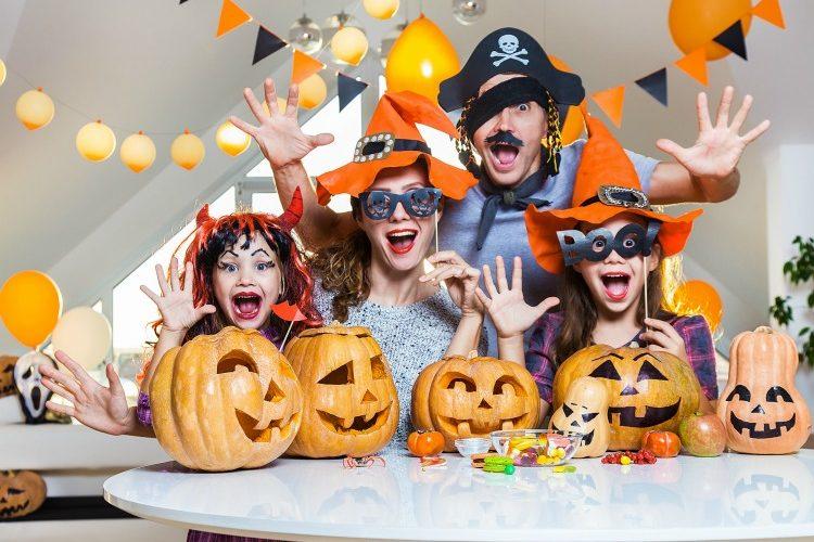 10 Fun Family Halloween Traditions