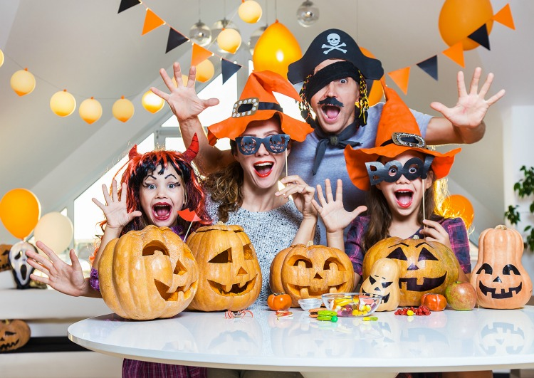 Make fall memories with these 10 Fun Family Halloween Traditions. These are the things your kids will remember about their childhood and help them to create Halloween memories they won't forget.