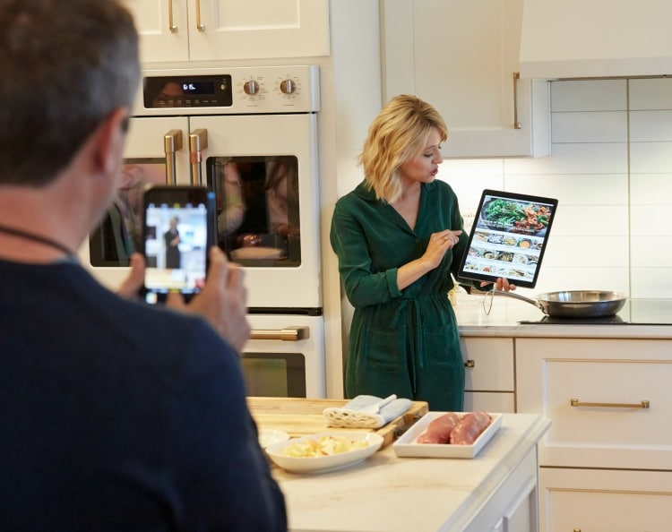 Style and tech come together in the kitchen with the new Cafe Matte Collection. Find out what the Cafe Matte Collection is and how it's changing the game for kitchen appliances!