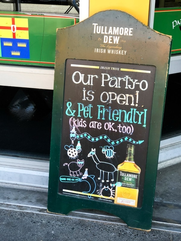 Pet friendly and kid friendly restaurant sign in Seattle, Washington.