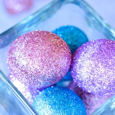 How to Make Glitter Easter Eggs