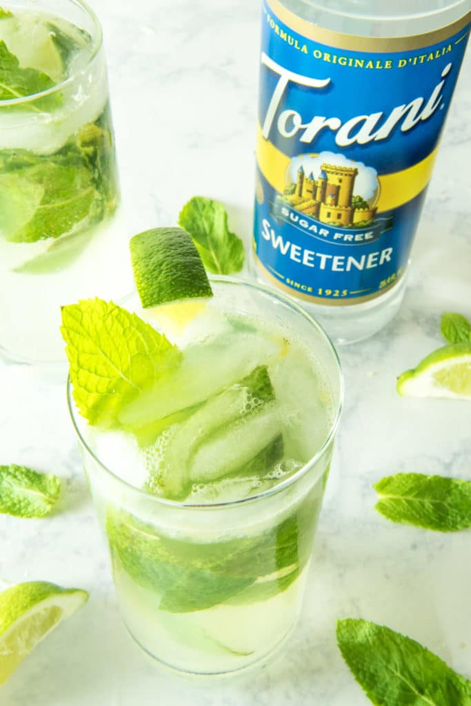 Low Carb Rum Cocktail: Mojitos with Fresh Mint and Lime. #ad #SummerGrilling #ToraniFlavor #joyjolt