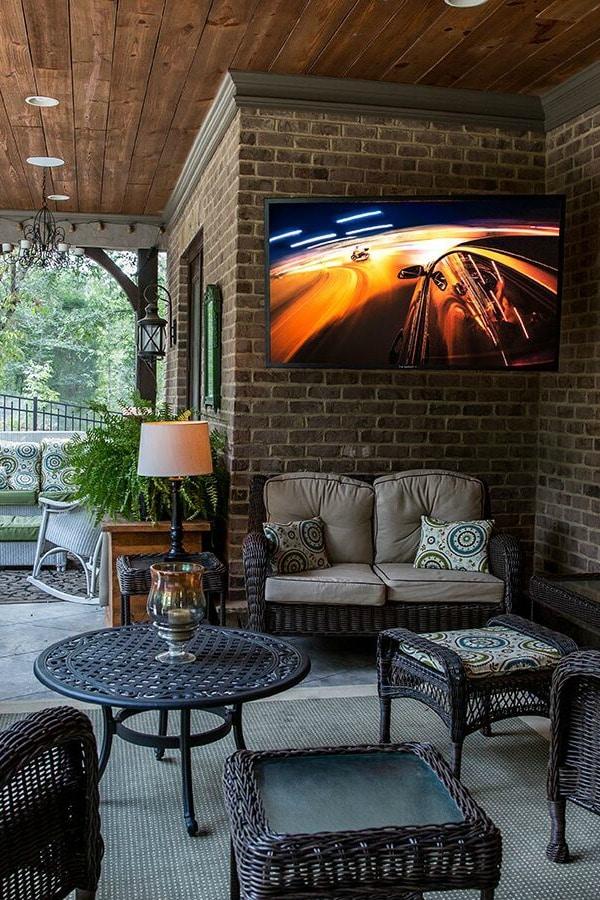 SunBrite Veranda Series 4K TV