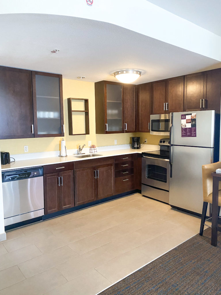Kitchen at Residence Inn Tempe: Downtown University